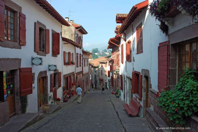 Towns Along The Way St Jean Pied De Port ClearskiesCaminocom - Location st jean pied de port