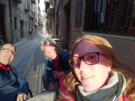 So nice meeting up with L from @somewhereslowly and her husband over the last 3 days as they start their Camino. Tomorrow we part ways. But we will see each other again...#camin
